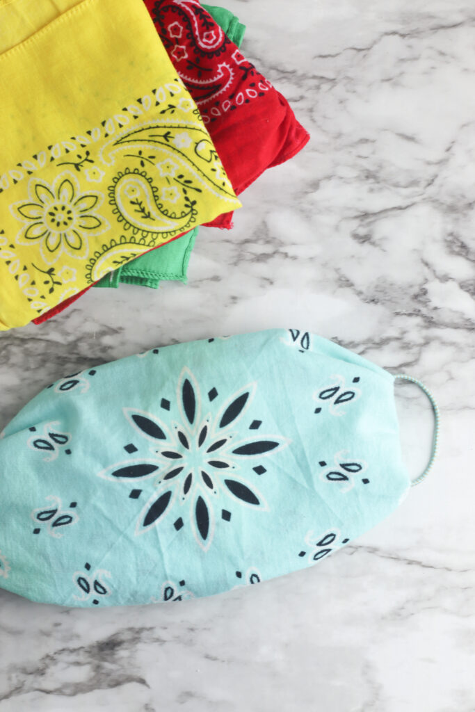 No Sew Bandana Face Mask with Coffee Filter | Courtney Pies Blog