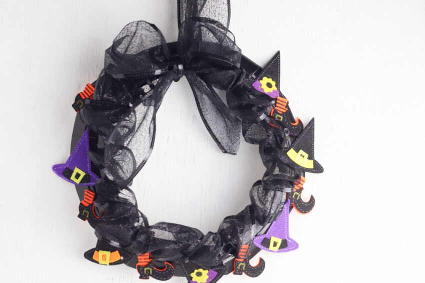 DIY Paper Plate Witch Wreath